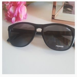 QUAY Black/ SMOKE Sunglasses